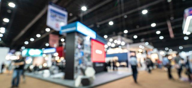 trade show blurred.jpg