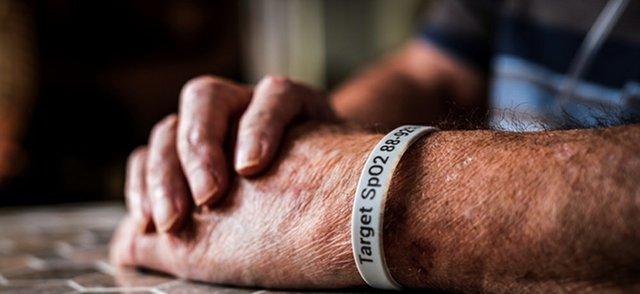 oxygen wristband.jpg