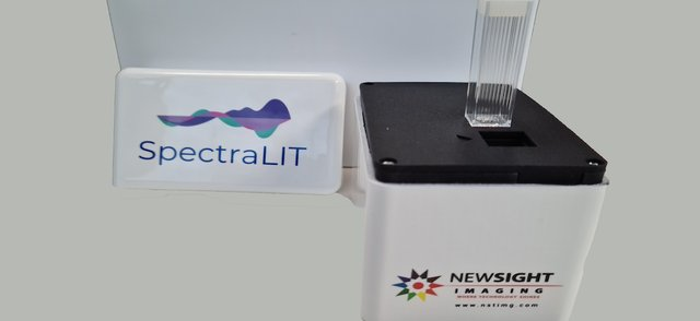 SpectraLit plus Box and cuvette copy.png